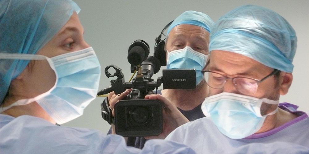 855. Film Burning out - Dans le ventre de l'hôpital (2)